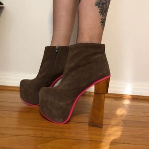 dv8 dolce vita heeled booties